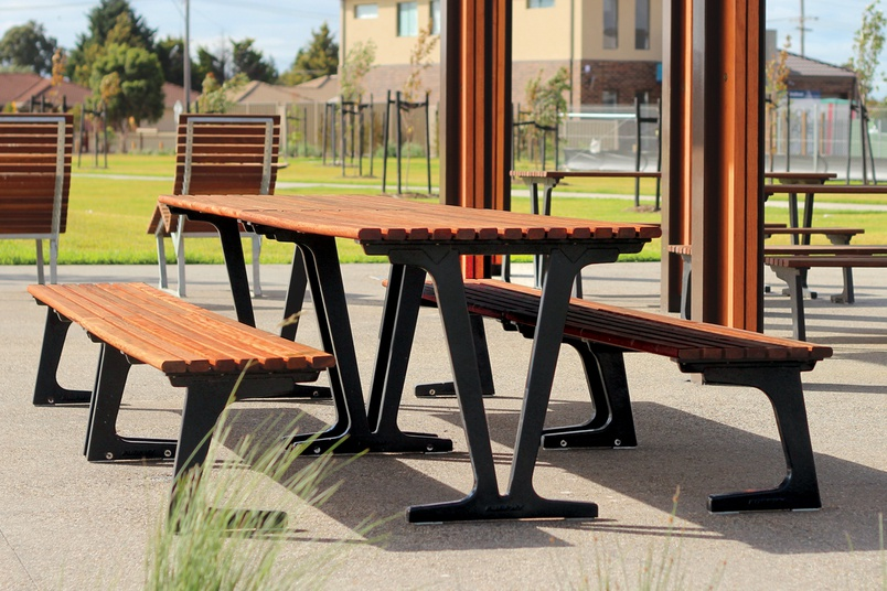 Fulcrum Aluminium-Timber Picnic Setting.